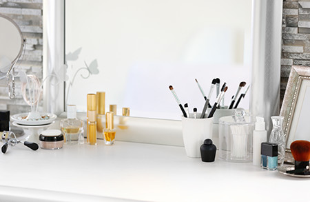 How to organize and design our make-up and jewelry stand