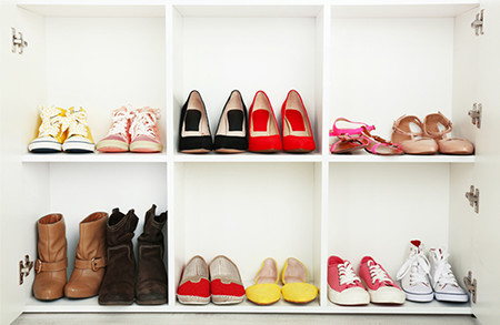 Organizing the shoe closet