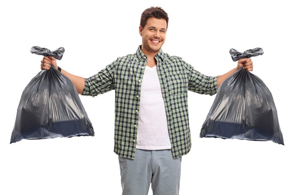 5 שימושים לשקיות אשפה ומזון שכדאי להכיר